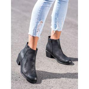 Dámske členkové topánky 67104