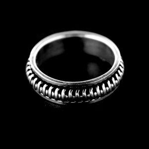 Strieborný prsteň 34328