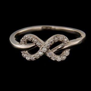 Strieborný prsteň 58339