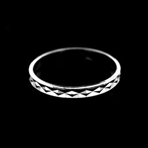 Strieborný prsteň 13837