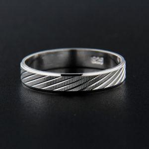 Strieborný prsteň 13838