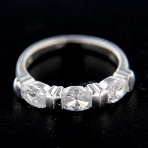 Strieborný prsteň 14789