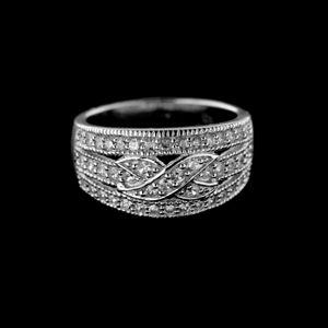 Strieborný prsteň 15186