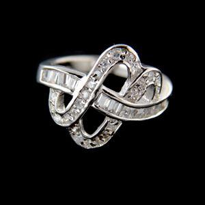 Strieborný prsteň 15216
