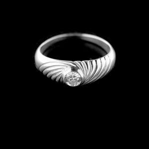 Strieborný prsteň 15234