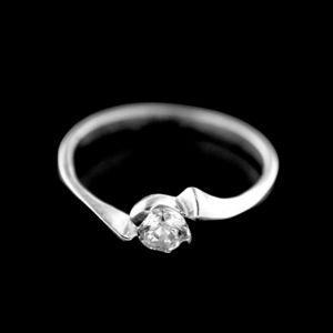 Strieborný prsteň 15445