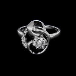 Strieborný prsteň 25109